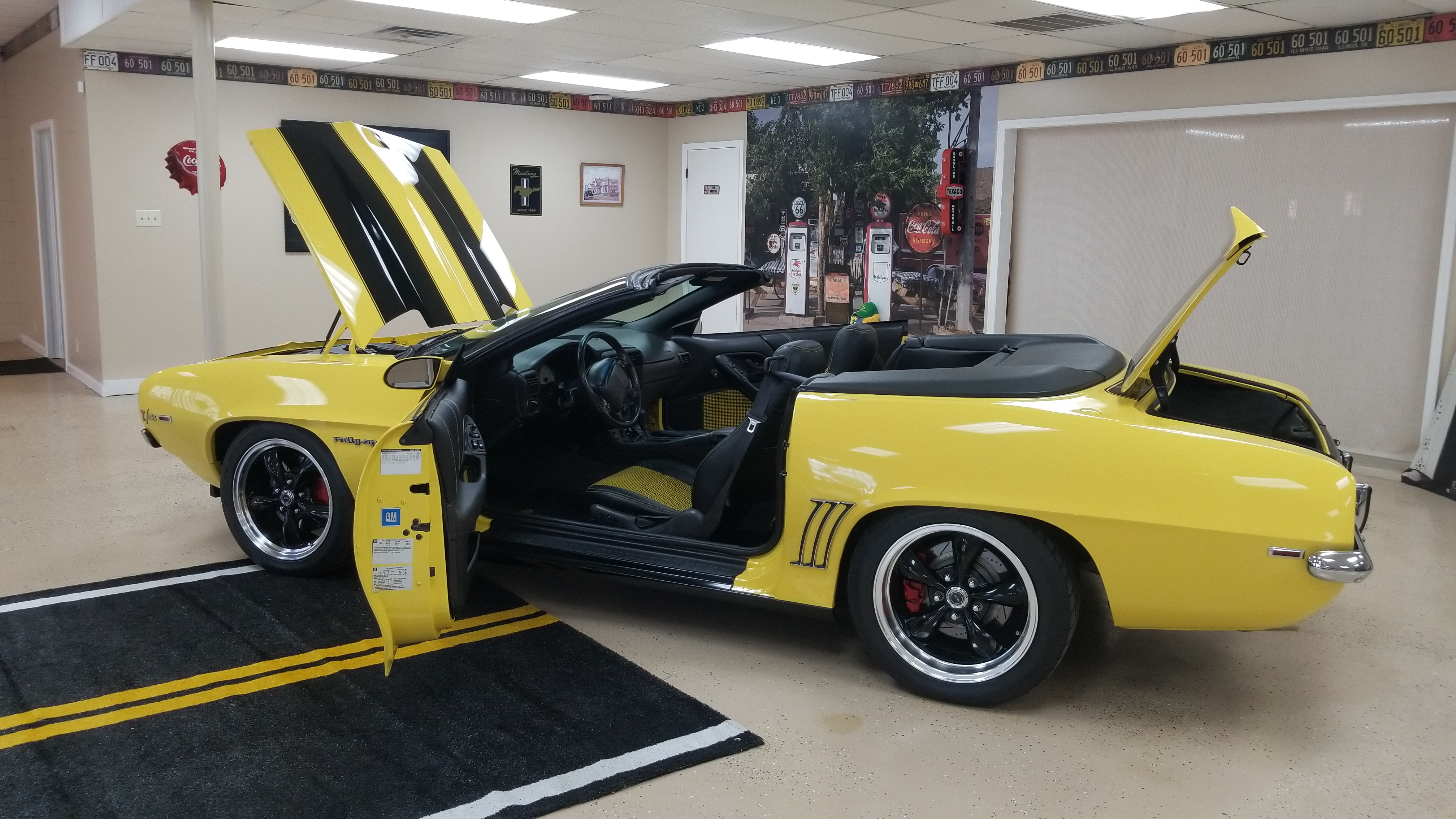 2002 Camaro, 1969 Camaro, Camaro Z-28, Hybrid, Restomod,resto-mod,Southern Classic Car,Southern Classic Cars, southernclassiccar.com,black and yellow, Henderson NC